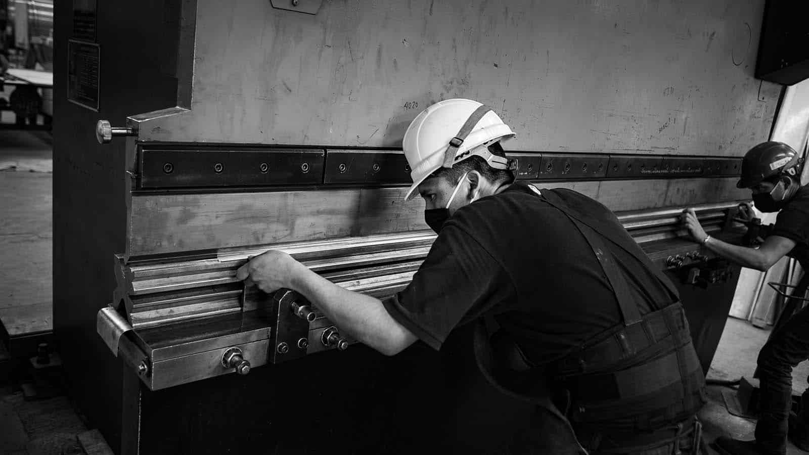 factory-slide01